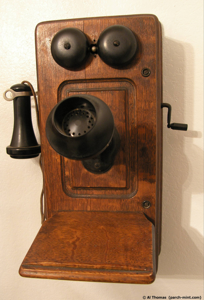 Selling the first telephone – Lunarmobiscuit